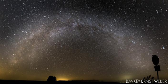 Milchstraße auf freiem Feld-